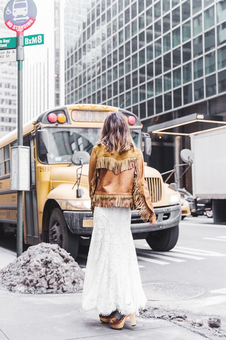 POLO_RALPH_LAUREN-NYFW-New_York_Fashion_Week-Suede_Fringed_Jacket-White_Lace_Skirt-Outfit-Street_Style-Collage_Vintage-34