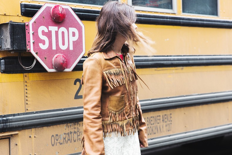 POLO_RALPH_LAUREN-NYFW-New_York_Fashion_Week-Suede_Fringed_Jacket-White_Lace_Skirt-Outfit-Street_Style-Collage_Vintage-36