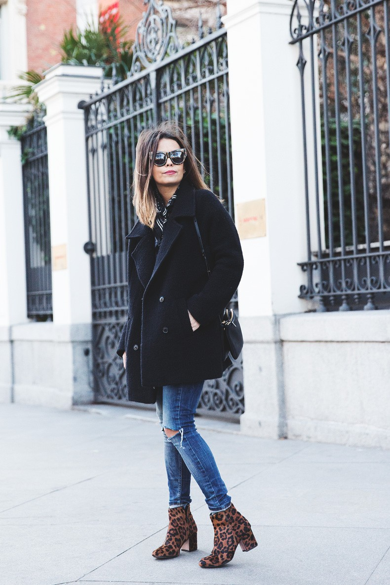 Scarf-Bandana-Ripped_Jeans-Leopard_Boots-Sita_Murt_Coat-Outfit-Street_Style-Collage_Vintage-26