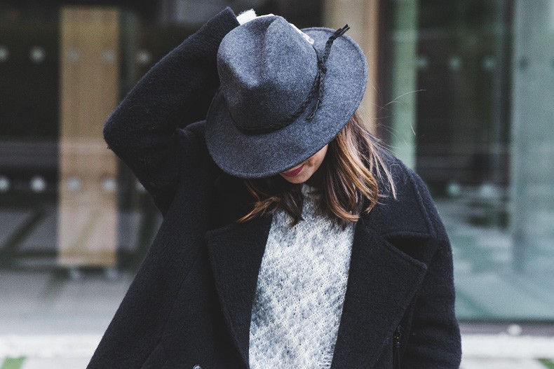 Sita_Murt_Coat_Knitwear-White_Winter-Outfit-Oxfords-Street_Style-Collage_Vintage-28
