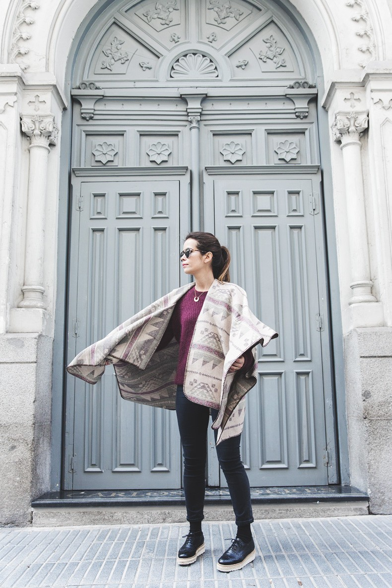 Aztec_poncho-Outfit-Burgundy_Jumper-Oxfords-Black_Jeans-Street_Style-12