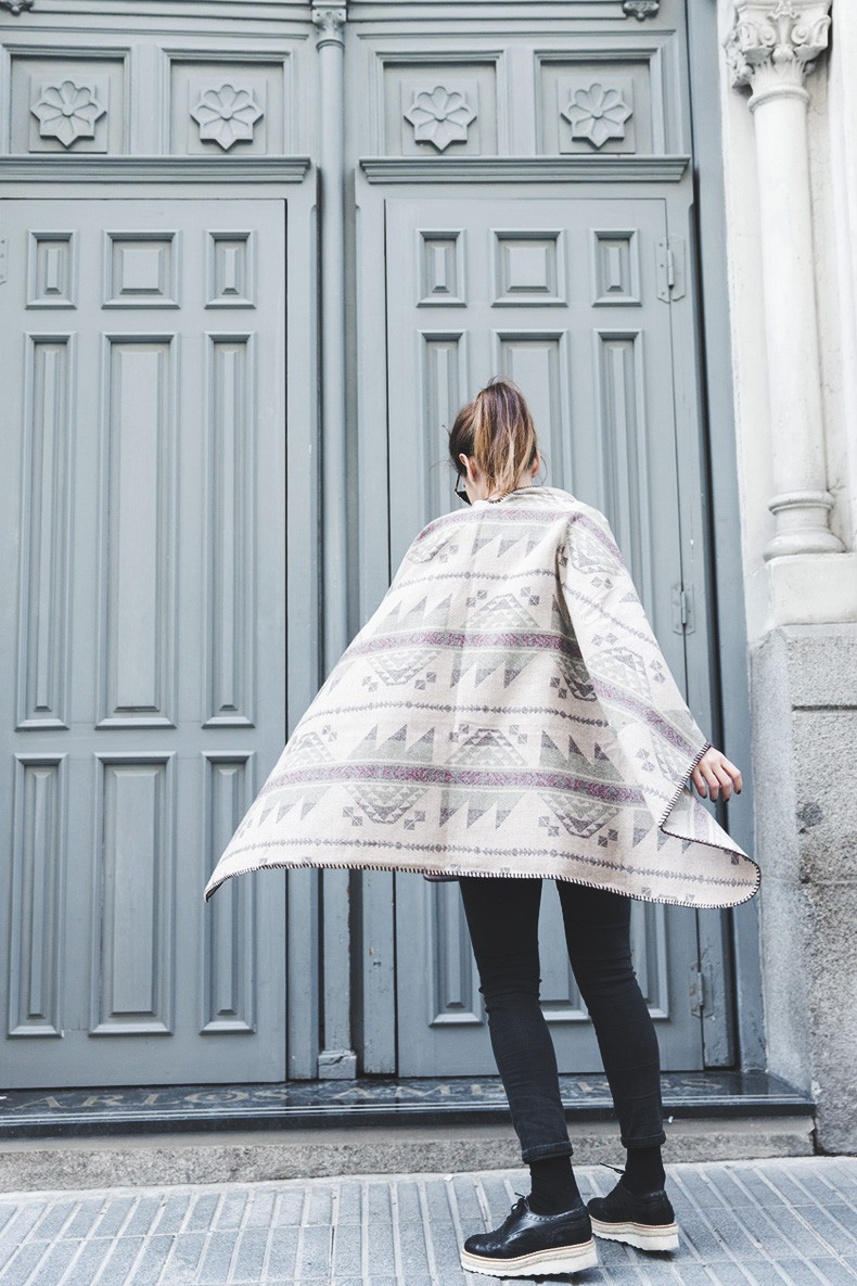 Aztec_poncho-Outfit-Burgundy_Jumper-Oxfords-Black_Jeans-Street_Style-35