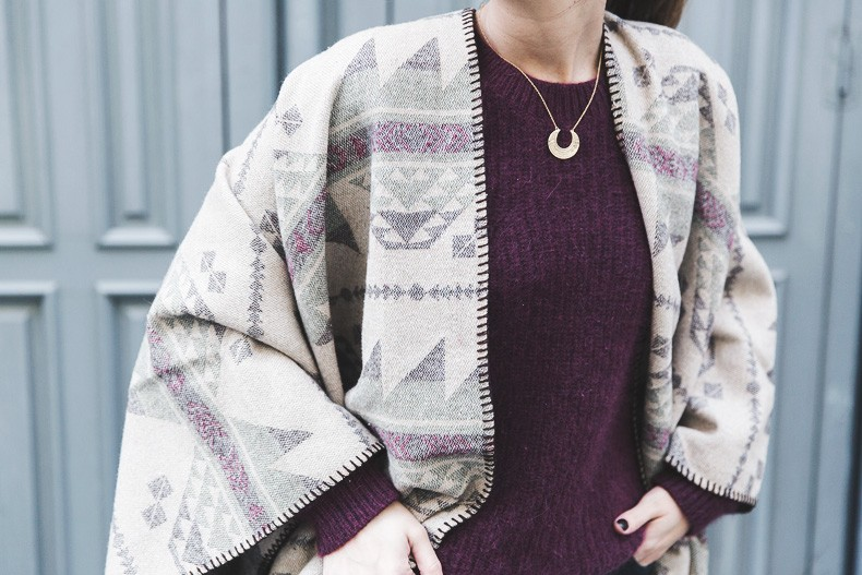 Aztec_poncho-Outfit-Burgundy_Jumper-Oxfords-Black_Jeans-Street_Style-85