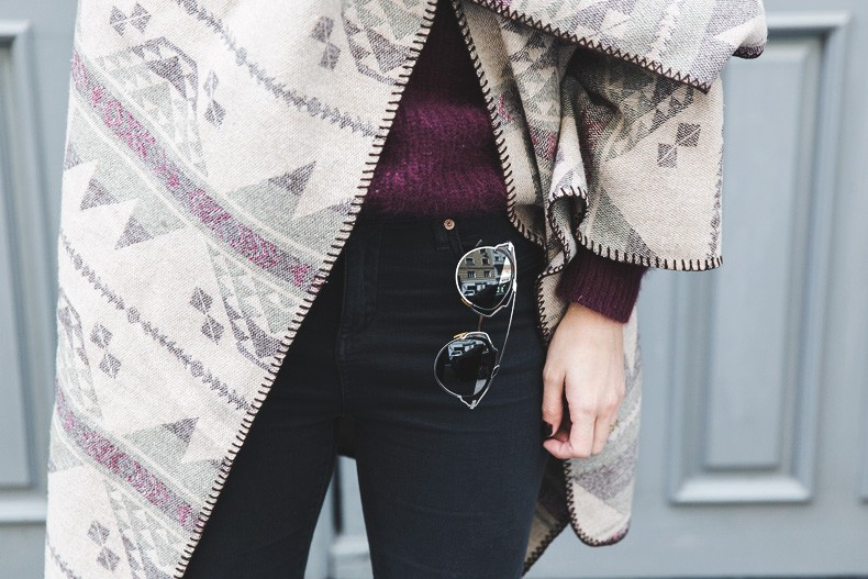 Aztec_poncho-Outfit-Burgundy_Jumper-Oxfords-Black_Jeans-Street_Style-91