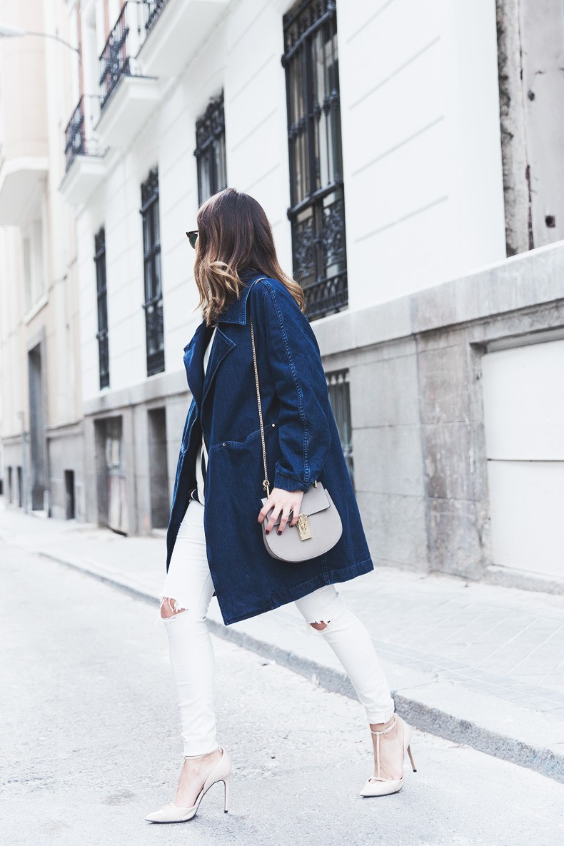 Denim_Jacket_Uterque-Striped_Blouse-Lace_Top-White_Ripped_JEans-Drew_Bag-Chloe-Outfit-Street_style-15