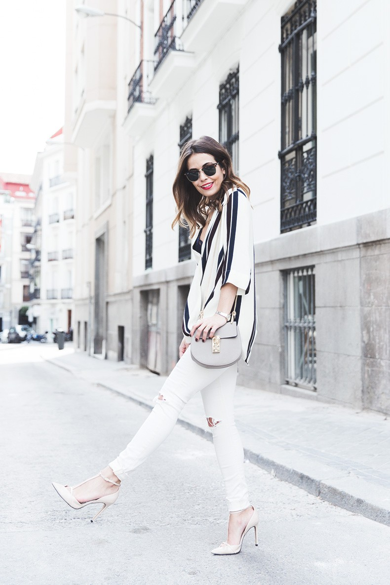 Denim_Jacket_Uterque-Striped_Blouse-Lace_Top-White_Ripped_JEans-Drew_Bag-Chloe-Outfit-Street_style-21