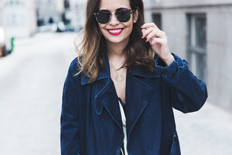 Denim_Jacket_Uterque-Striped_Blouse-Lace_Top-White_Ripped_JEans-Drew_Bag-Chloe-Outfit-Street_style-33