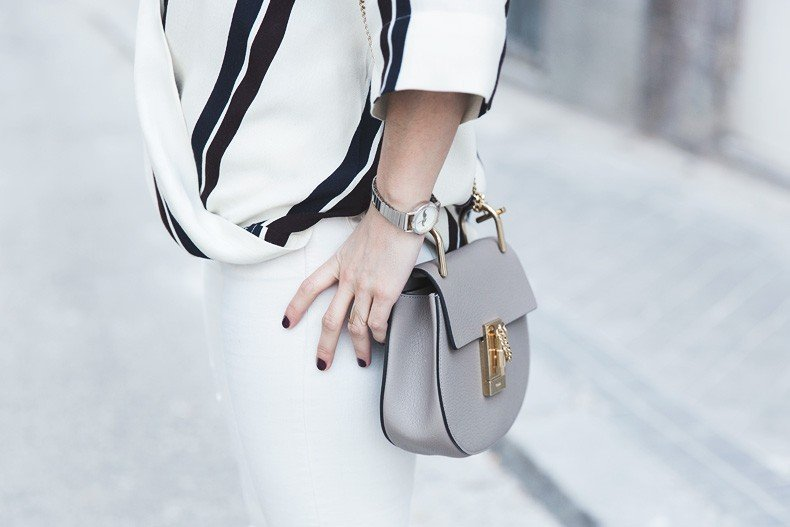 Denim_Jacket_Uterque-Striped_Blouse-Lace_Top-White_Ripped_JEans-Drew_Bag-Chloe-Outfit-Street_style-35