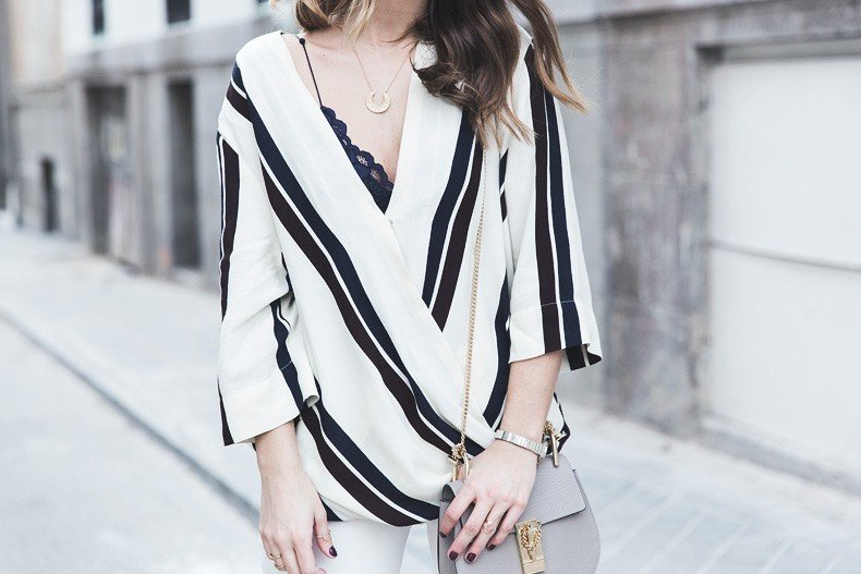 Denim_Jacket_Uterque-Striped_Blouse-Lace_Top-White_Ripped_JEans-Drew_Bag-Chloe-Outfit-Street_style-36