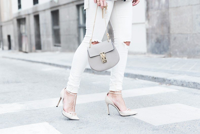 Denim_Jacket_Uterque-Striped_Blouse-Lace_Top-White_Ripped_JEans-Drew_Bag-Chloe-Outfit-Street_style-38