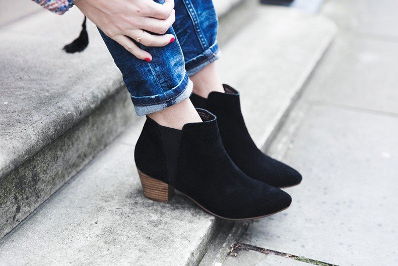 Free_People_Top-Jeans-Black_Booties-LFW-London_Fashion_Week-Street-Style-Collage_VIntage-36