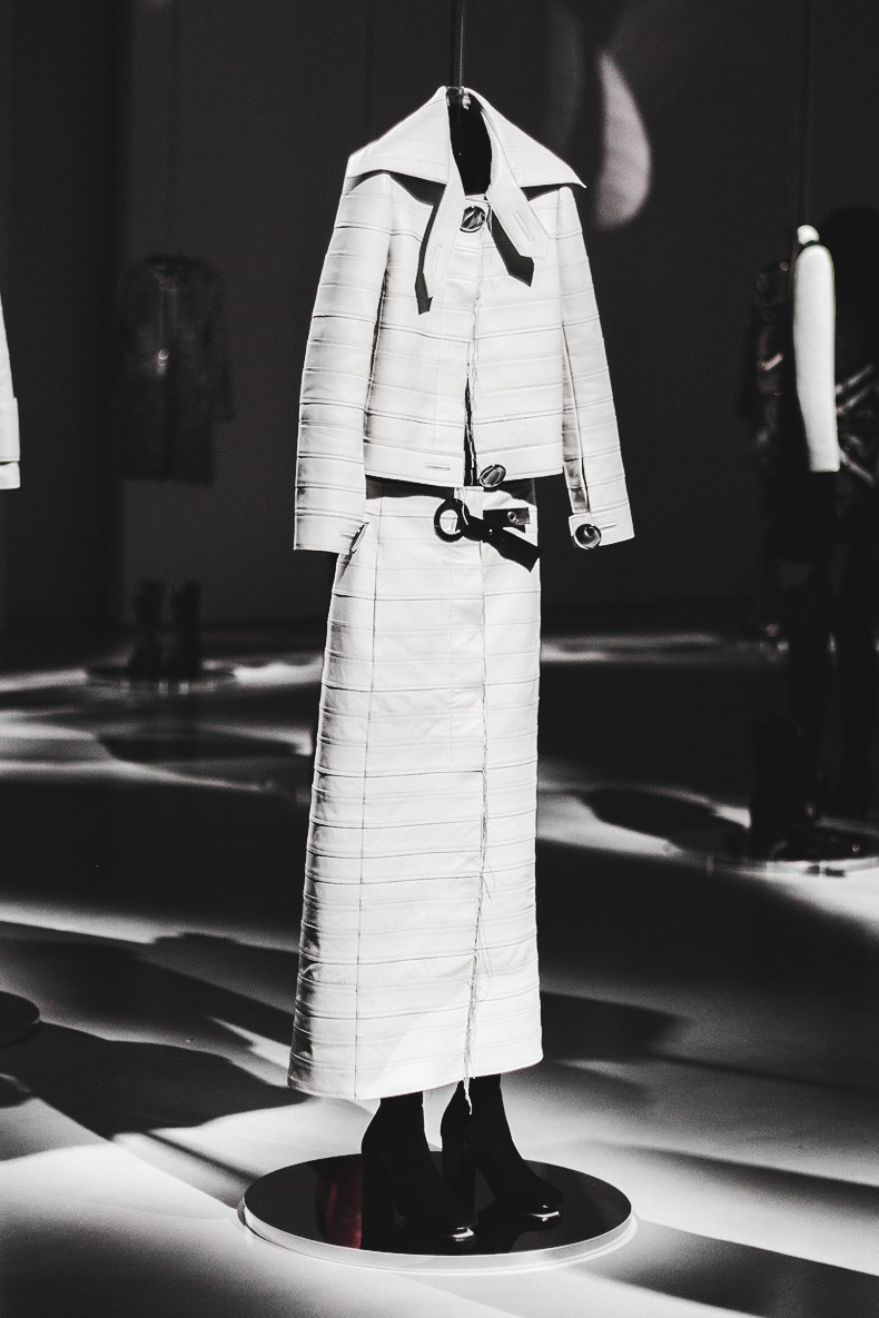 MFW-Milan_Fashion_Week-Calvin_Klein_Fall_Winter_2015_2016-Runway-
