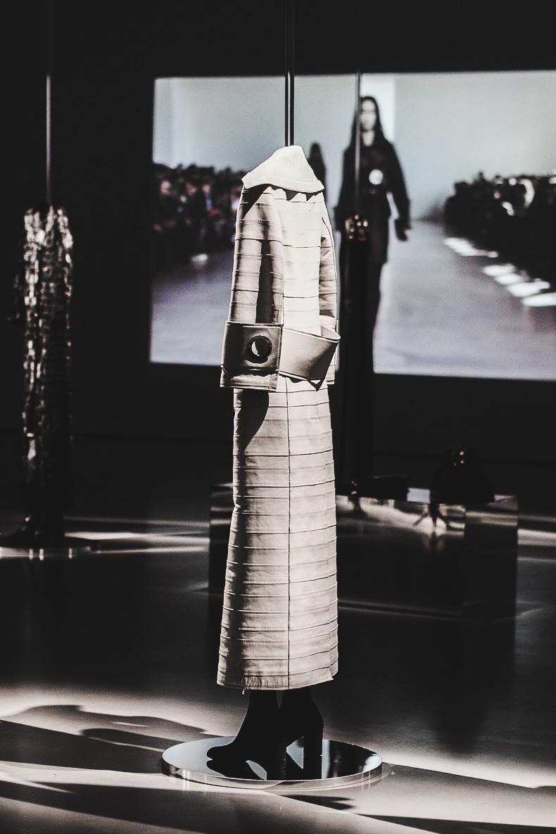 MFW-Milan_Fashion_Week-Calvin_Klein_Fall_Winter_2015_2016-Runway-9