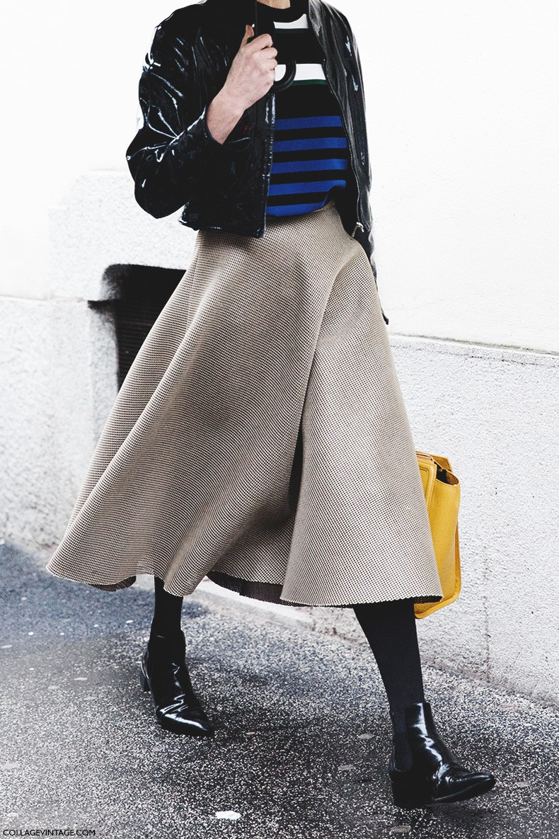 Milan_Fashion_Week-Fall_Winter_2015-Street_Style-MFW-Midi_Skirts-Striped_Top-Rainy_Day-