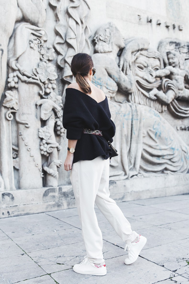 Off_The_Shoulders_Sweater-Outfit-Street_Style-PFW-Paris_Fashion_Week-12