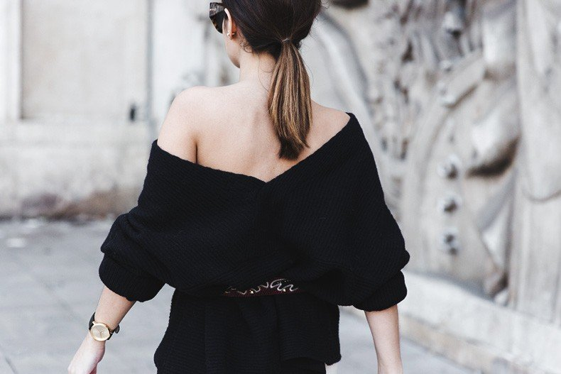Off_The_Shoulders_Sweater-Outfit-Street_Style-PFW-Paris_Fashion_Week-30