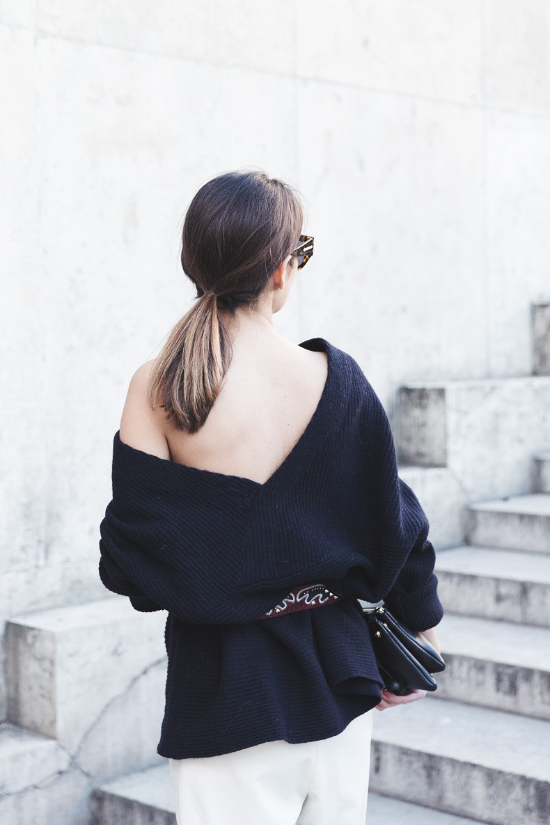 Off_The_Shoulders_Sweater-Outfit-Street_Style-PFW-Paris_Fashion_Week-6