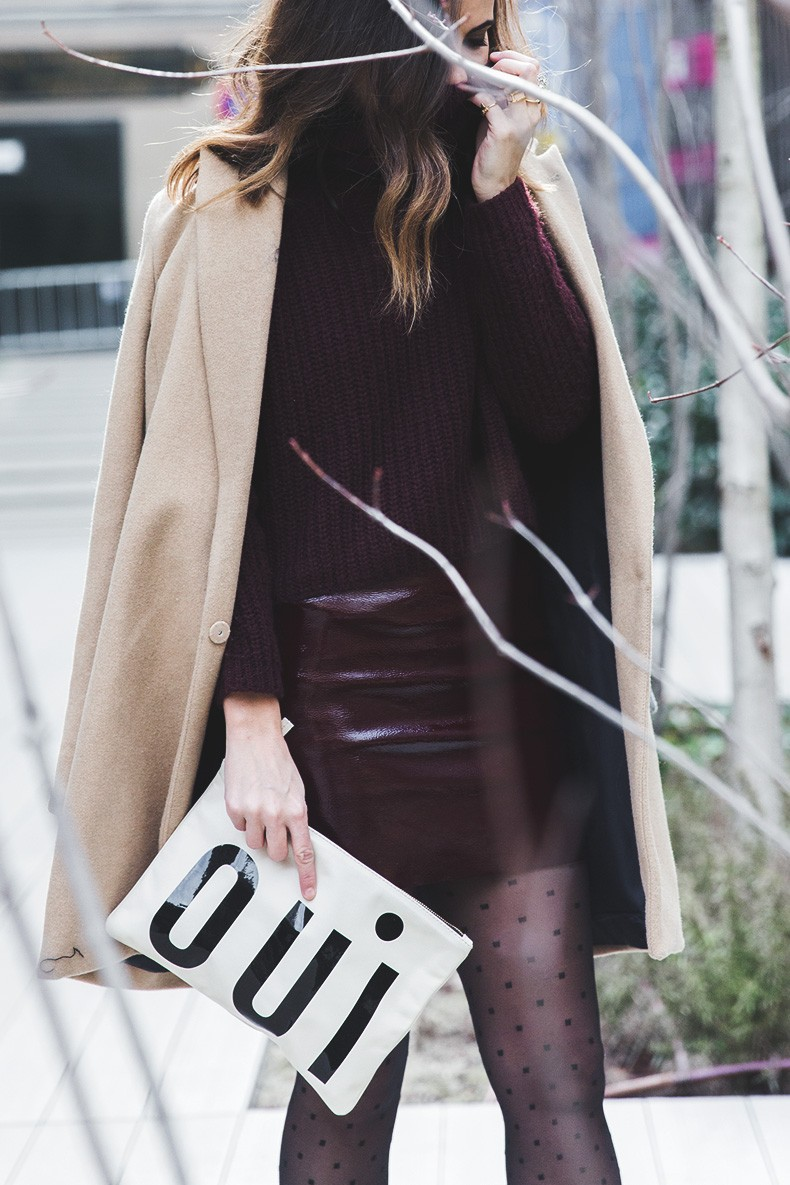 Oui_clutch-Clare_vivier-Burgundy_Total_Look-Street_style-Outfit-Collage_Vintage-16