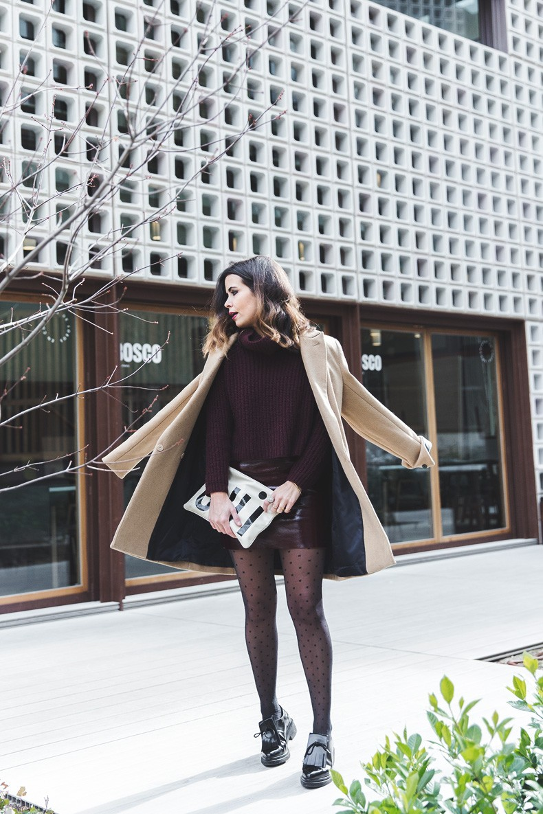 Oui_clutch-Clare_vivier-Burgundy_Total_Look-Street_style-Outfit-Collage_Vintage-17