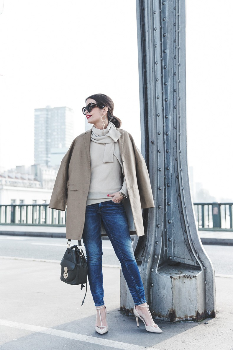 PFW-Paris_Fashion_Week-Benetton-Camel_Coat-Sweater_Scarf-Jeans-Ralph_Lauren_Bag-Street_Style-Outfit-19