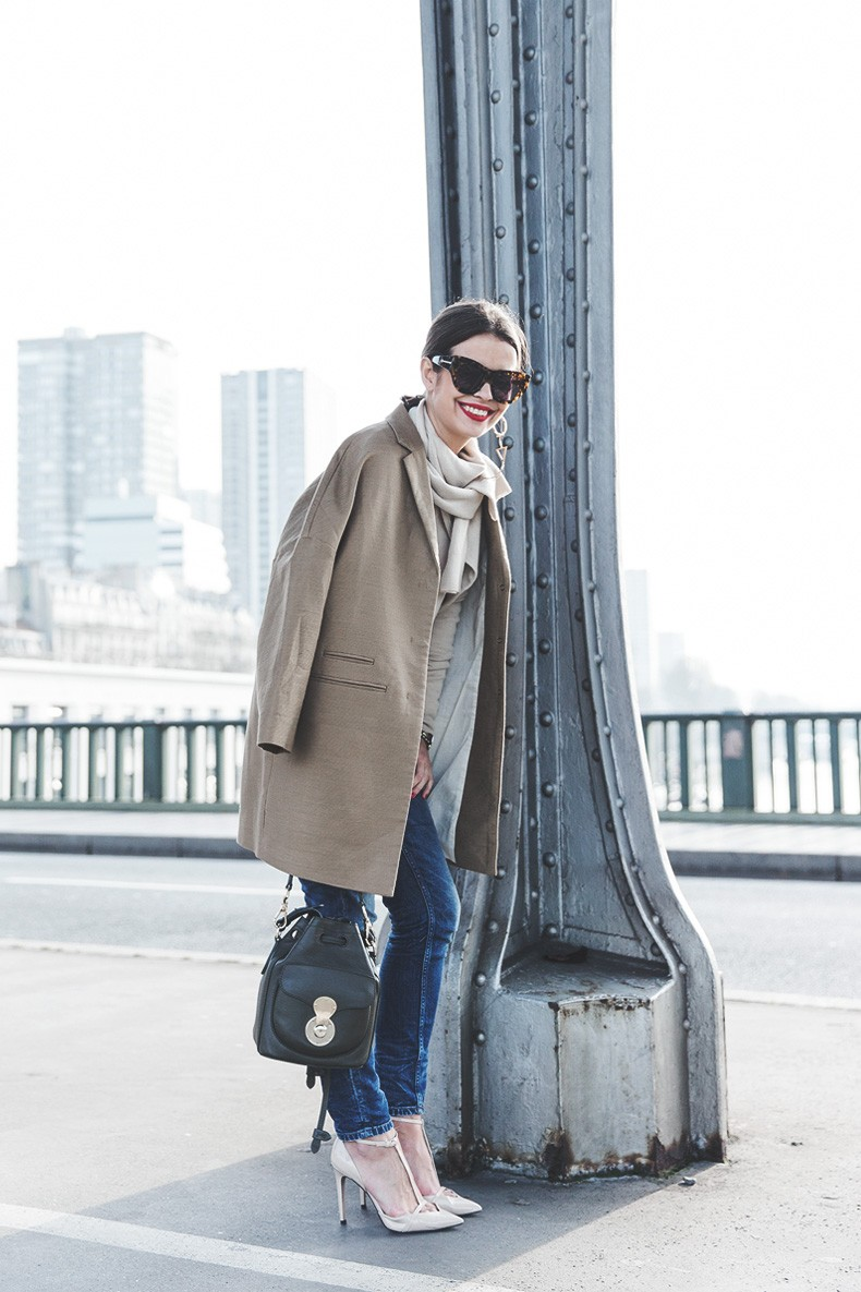 PFW-Paris_Fashion_Week-Benetton-Camel_Coat-Sweater_Scarf-Jeans-Ralph_Lauren_Bag-Street_Style-Outfit-20