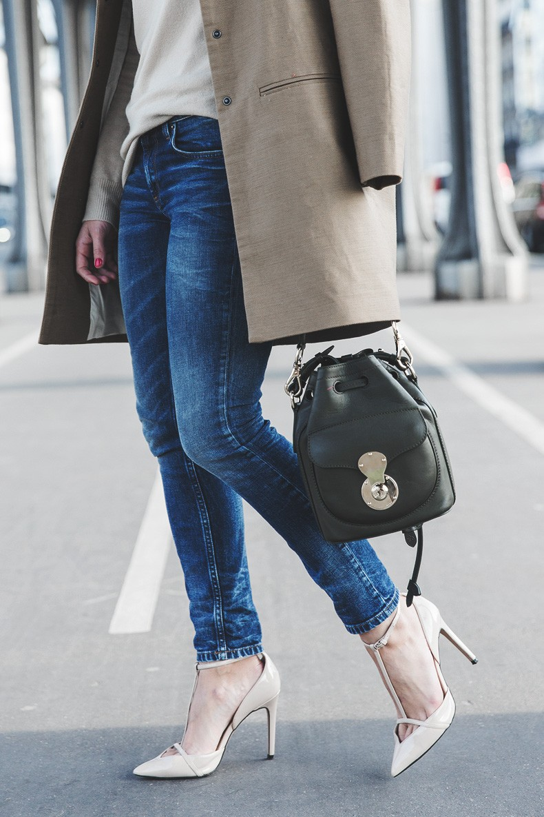 PFW-Paris_Fashion_Week-Benetton-Camel_Coat-Sweater_Scarf-Jeans-Ralph_Lauren_Bag-Street_Style-Outfit-25
