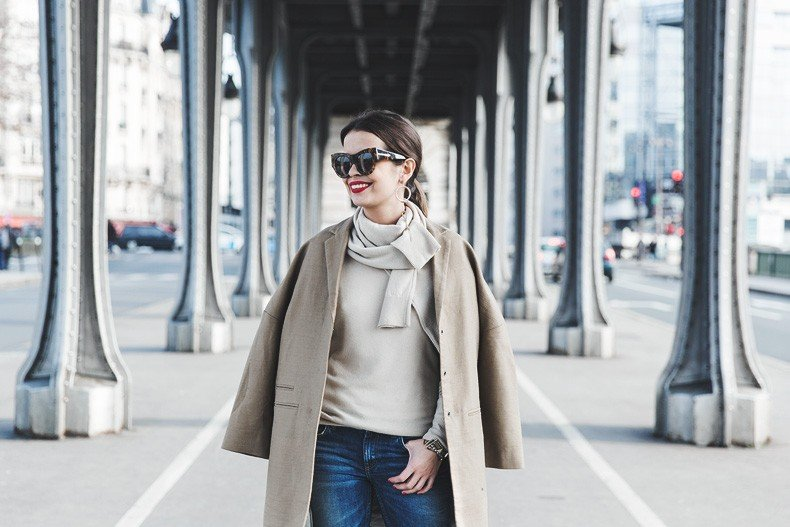 PFW-Paris_Fashion_Week-Benetton-Camel_Coat-Sweater_Scarf-Jeans-Ralph_Lauren_Bag-Street_Style-Outfit-45