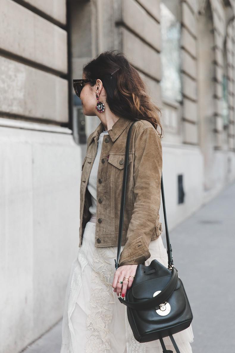 PFW_Paris_Fashion_Week-Tulle_Skirt-Suede_Jacket_Levis-Louis_Vuitton_Clogs_Shoes-Outfit-Street_Style-13