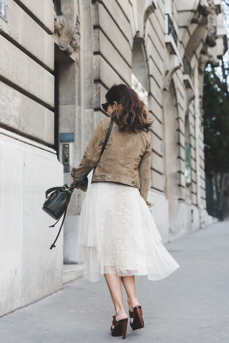 PFW_Paris_Fashion_Week-Tulle_Skirt-Suede_Jacket_Levis-Louis_Vuitton_Clogs_Shoes-Outfit-Street_Style-15
