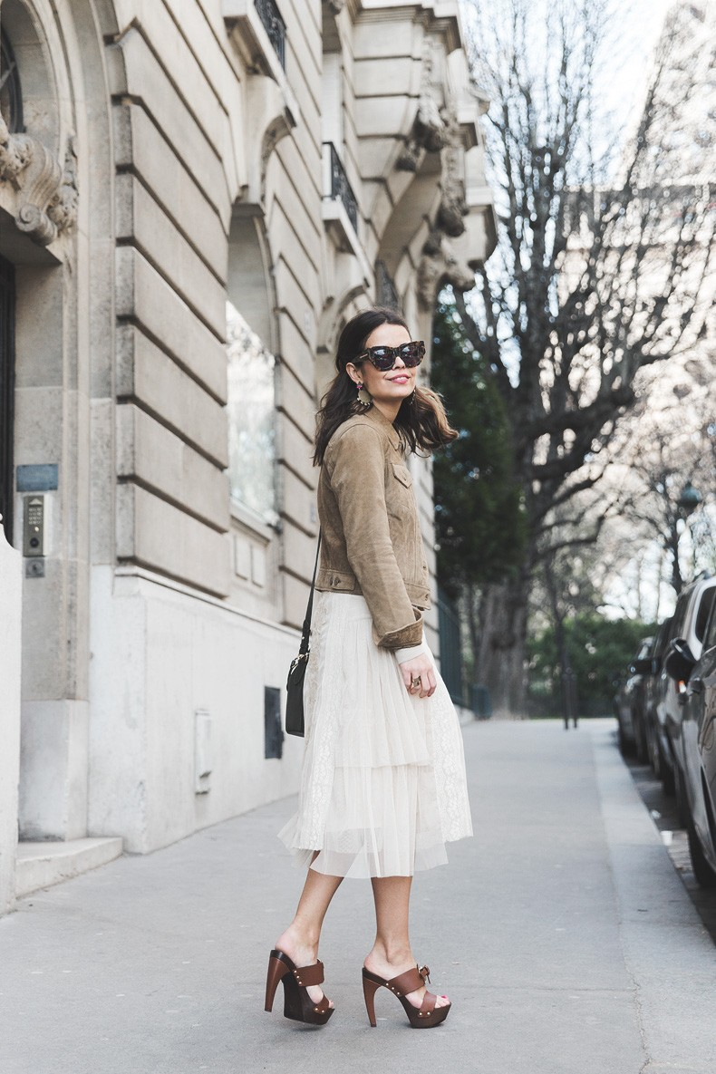 PFW_Paris_Fashion_Week-Tulle_Skirt-Suede_Jacket_Levis-Louis_Vuitton_Clogs_Shoes-Outfit-Street_Style-21