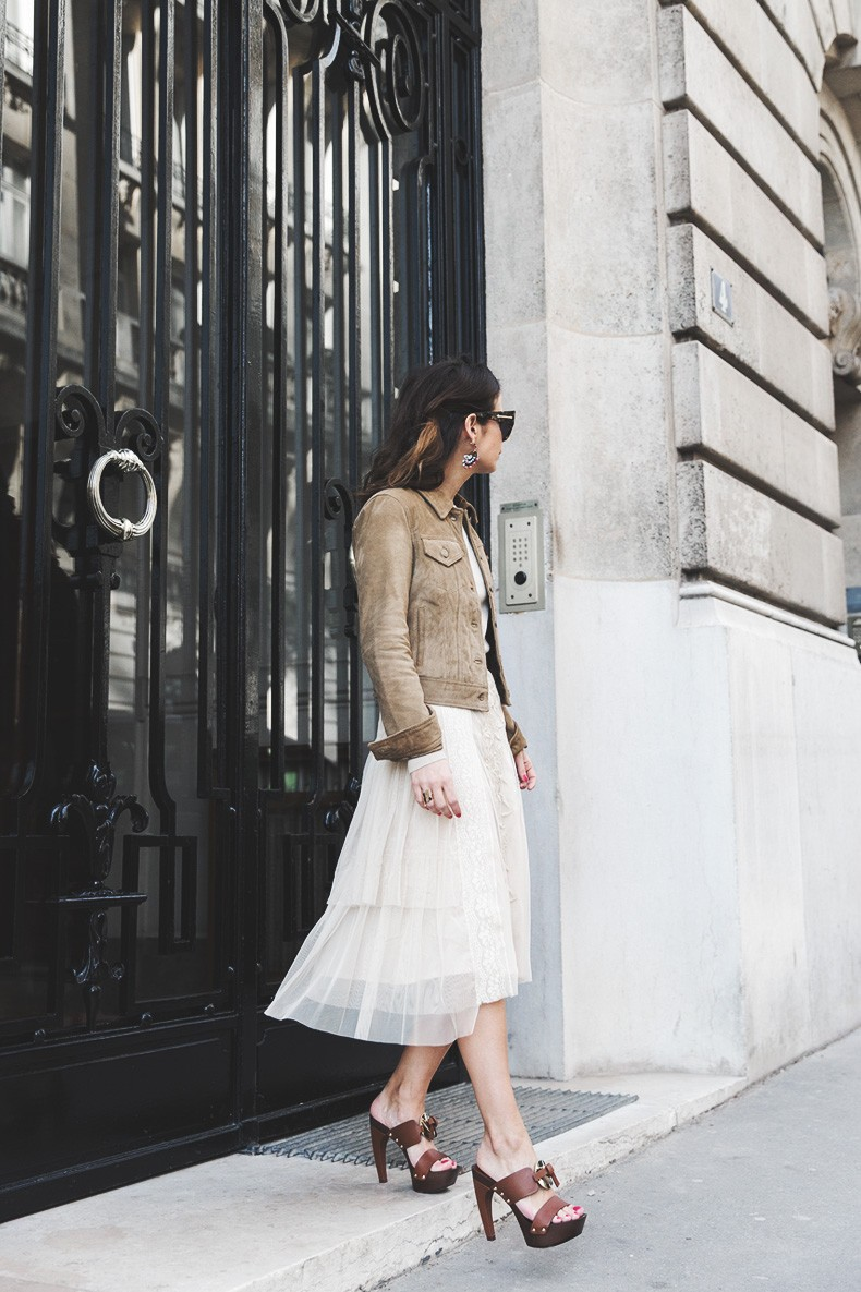 PFW_Paris_Fashion_Week-Tulle_Skirt-Suede_Jacket_Levis-Louis_Vuitton_Clogs_Shoes-Outfit-Street_Style-23