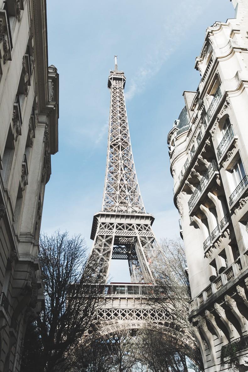 PFW_Paris_Fashion_Week-Tulle_Skirt-Suede_Jacket_Levis-Louis_Vuitton_Clogs_Shoes-Outfit-Street_Style-27