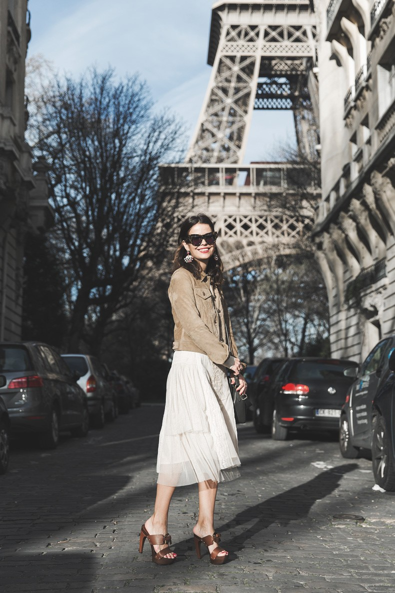 PFW_Paris_Fashion_Week-Tulle_Skirt-Suede_Jacket_Levis-Louis_Vuitton_Clogs_Shoes-Outfit-Street_Style-43
