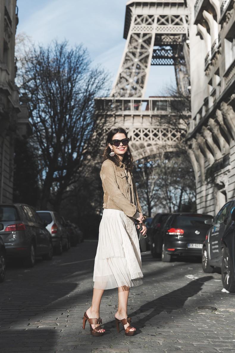 PFW_Paris_Fashion_Week-Tulle_Skirt-Suede_Jacket_Levis-Louis_Vuitton_Clogs_Shoes-Outfit-Street_Style-43