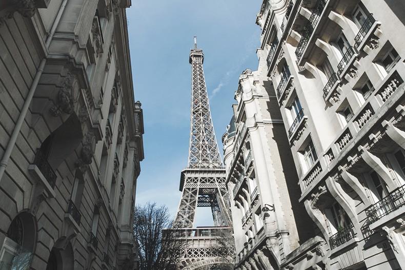 PFW_Paris_Fashion_Week-Tulle_Skirt-Suede_Jacket_Levis-Louis_Vuitton_Clogs_Shoes-Outfit-Street_Style-49