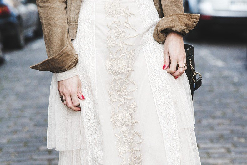 PFW_Paris_Fashion_Week-Tulle_Skirt-Suede_Jacket_Levis-Louis_Vuitton_Clogs_Shoes-Outfit-Street_Style-64