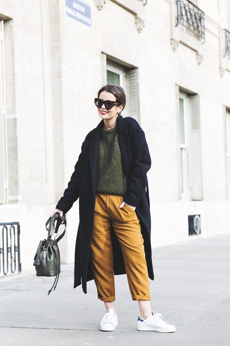Paris-Green_Sweater-Orange_Trousers-Adidas_Stan_Smith-Ralph_Lauren_Bag-Ricky_Drawsting_Bag-Outfit-Street_Style-PFW-Maxi_Coat-16