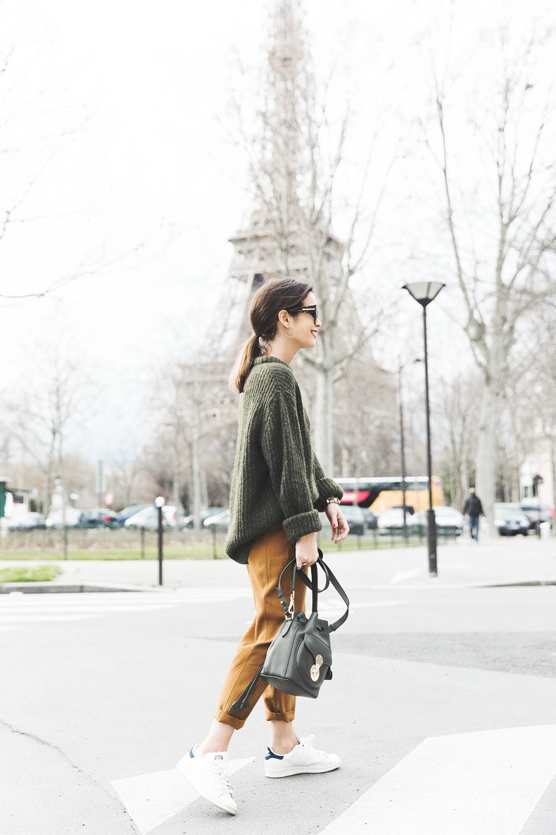 Paris-Green_Sweater-Orange_Trousers-Adidas_Stan_Smith-Ralph_Lauren_Bag-Ricky_Drawsting_Bag-Outfit-Street_Style-PFW-Maxi_Coat-80