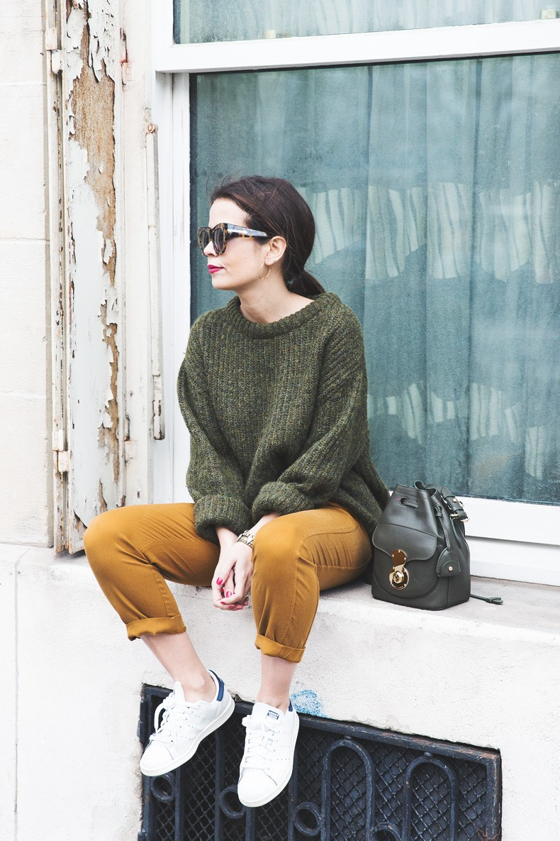 Paris-Green_Sweater-Orange_Trousers-Adidas_Stan_Smith-Ralph_Lauren_Bag-Ricky_Drawsting_Bag-Outfit-Street_Style-PFW-Maxi_Coat-84