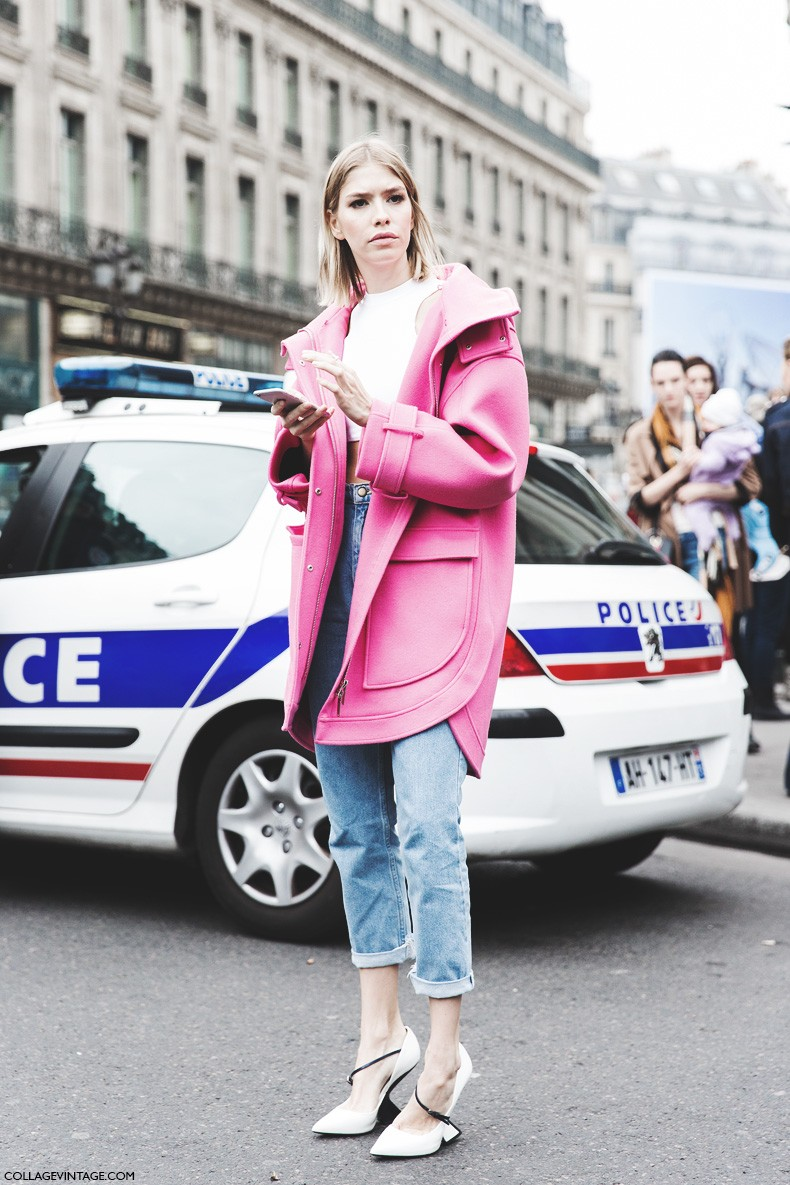 Paris_Fashion_Week-Fall_Winter_2015-Street_Style-PFW-Elena_Perminova-Jeans-Pink_Coat-Black_And_White-Shoes-Stella_McCartney-2