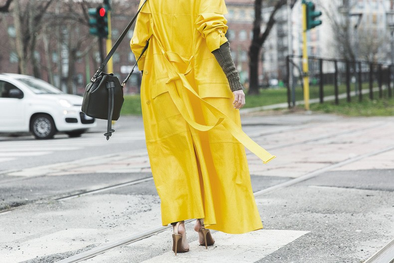 Ralph_Lauren_Spring_Summer_2015-Yellow_Leather_Trench-Suede_Cargo-trousers-Khaki-Outfit-MFW-Milan_Fashion_Week-Collage_Vintage-Street_Style-28