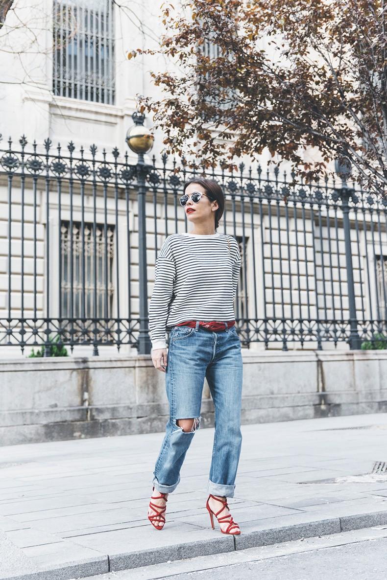 Bandana_Belt-Striped_Sweatshirt-Levis_Vintage-Red_Sandals-Outfit-Chloe_Drew_Bag-Street_Style-Collage_Vintage-10