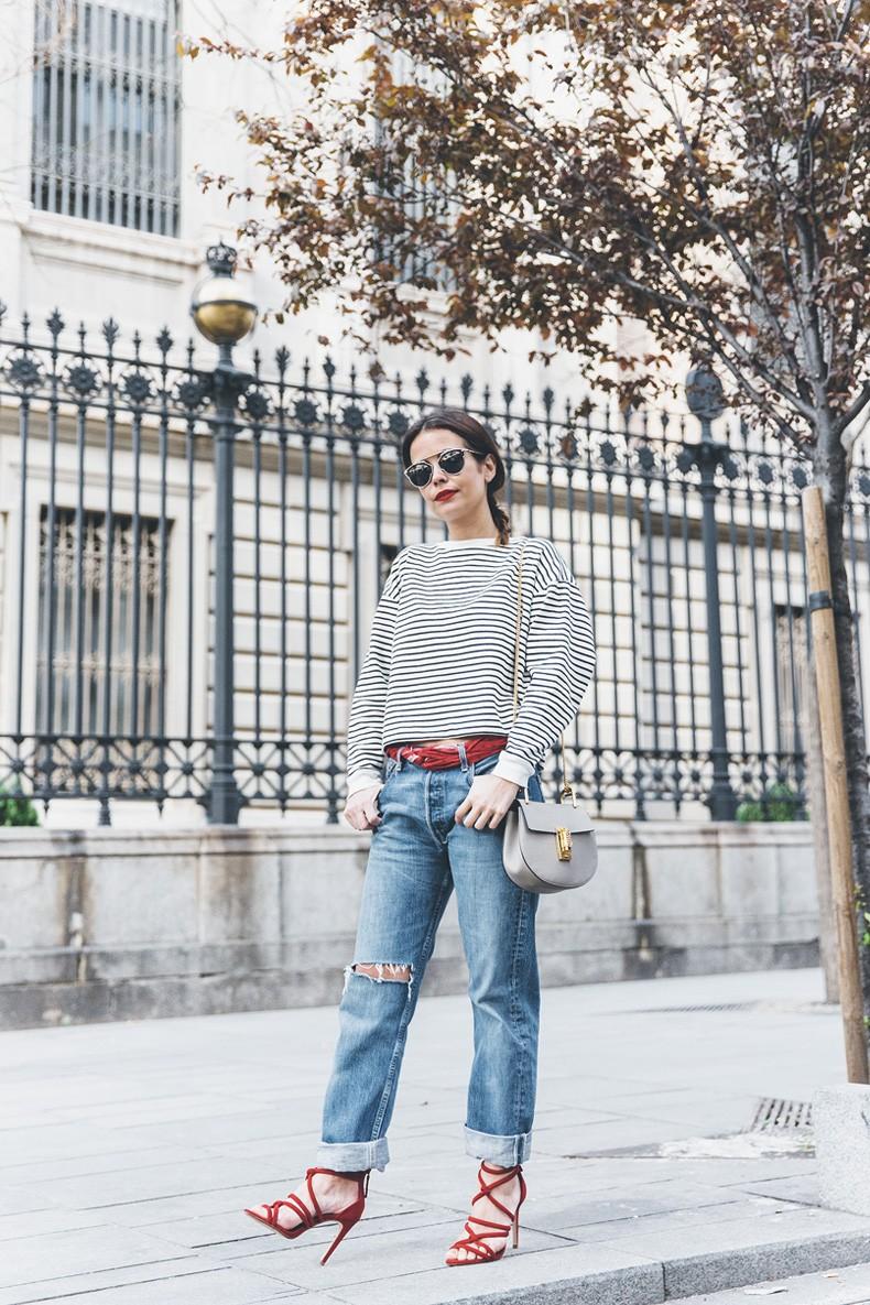 Bandana_Belt-Striped_Sweatshirt-Levis_Vintage-Red_Sandals-Outfit-Chloe_Drew_Bag-Street_Style-Collage_Vintage-18
