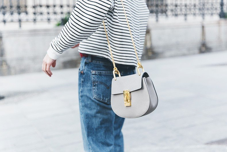 Bandana_Belt-Striped_Sweatshirt-Levis_Vintage-Red_Sandals-Outfit-Chloe_Drew_Bag-Street_Style-Collage_Vintage-39
