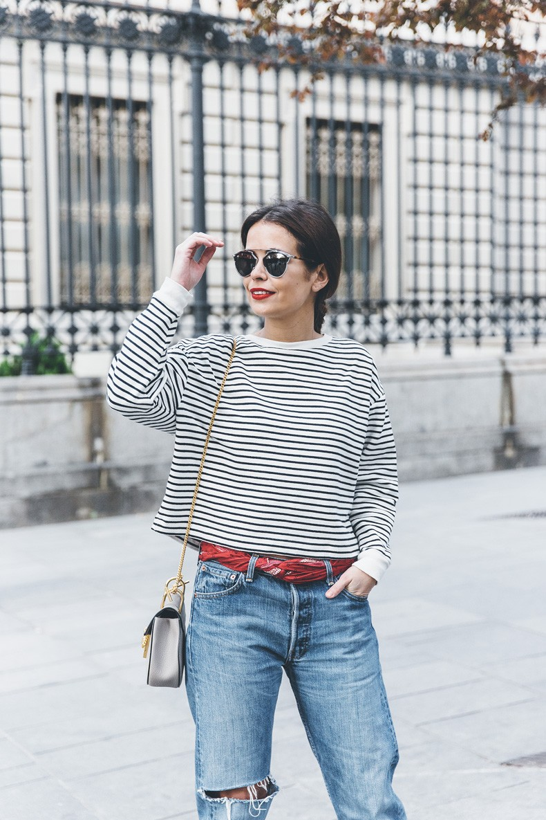 Bandana_Belt-Striped_Sweatshirt-Levis_Vintage-Red_Sandals-Outfit-Chloe_Drew_Bag-Street_Style-Collage_Vintage-6