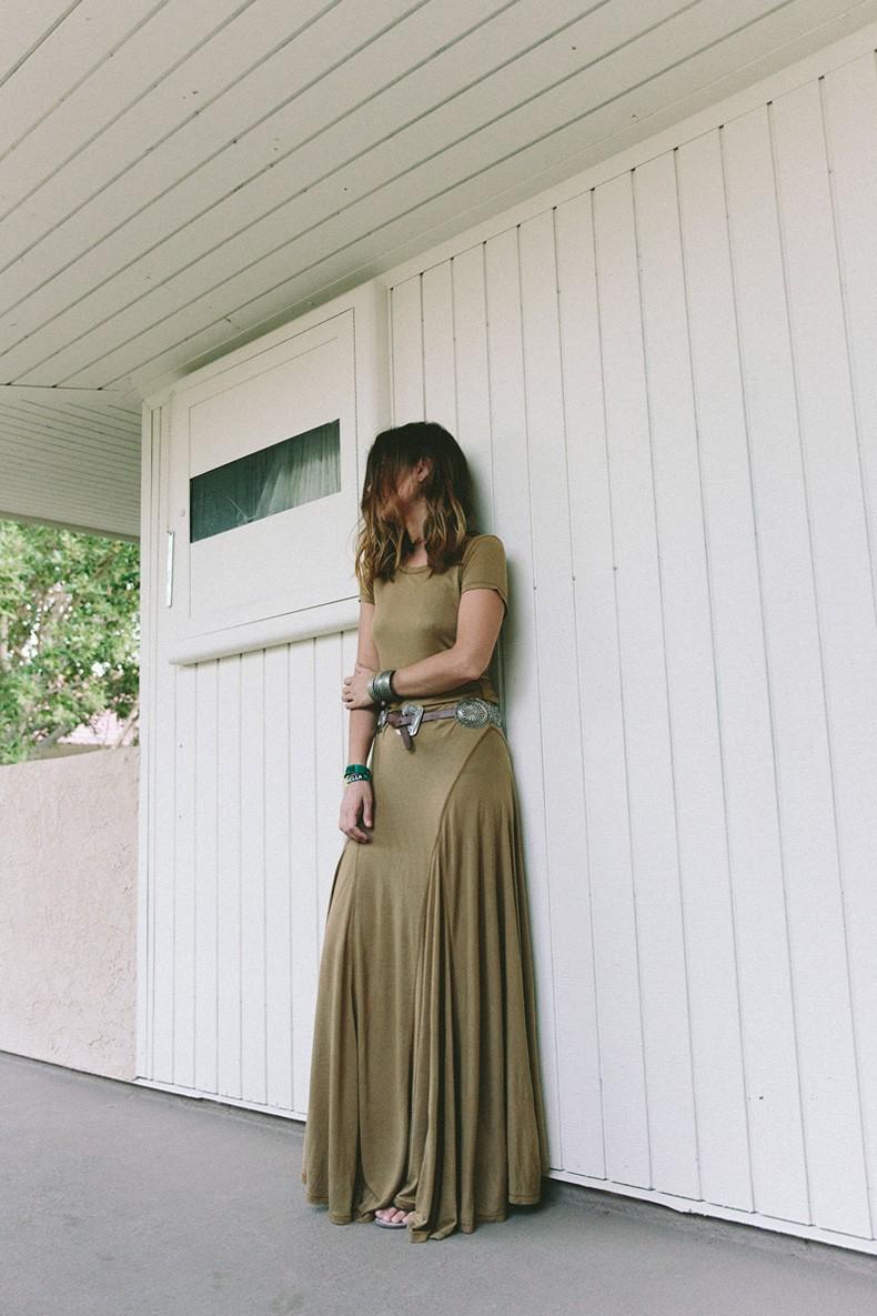 Coachella_2015-Music_Festival-Khaki_Maxi_Dress-Polo_Ralph_Lauren-Cowboy_Belt-Outfit-Street_Style-Festival_Look-26
