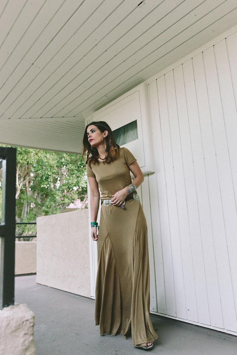 Coachella_2015-Music_Festival-Khaki_Maxi_Dress-Polo_Ralph_Lauren-Cowboy_Belt-Outfit-Street_Style-Festival_Look-28
