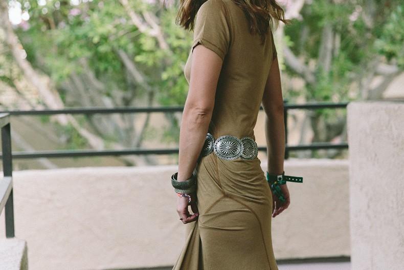Coachella_2015-Music_Festival-Khaki_Maxi_Dress-Polo_Ralph_Lauren-Cowboy_Belt-Outfit-Street_Style-Festival_Look-42
