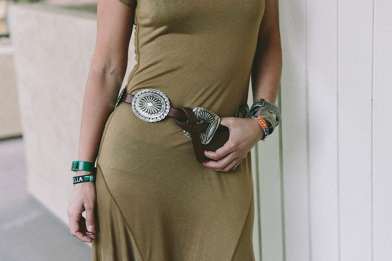 Coachella_2015-Music_Festival-Khaki_Maxi_Dress-Polo_Ralph_Lauren-Cowboy_Belt-Outfit-Street_Style-Festival_Look-44
