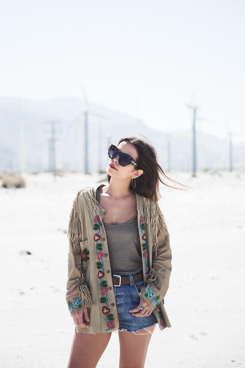 Coachella_Music_Festival-Fringed_Jacket-Polo_Ralph_Lauren-Vintage_Levis-Outfit-Festival_Look-Street_Style-